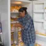 Shar stocking refrigerator
